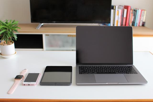 ABEMAはパソコン・スマホ・タブレット・一部の対応テレビで視聴可能!